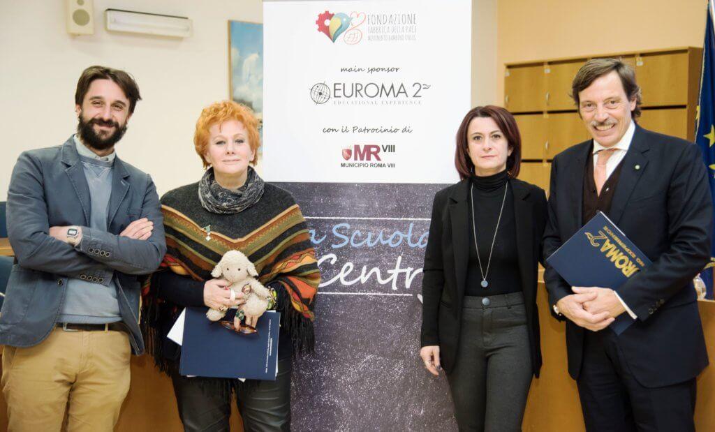 """""""La Scuola al Centro"""""""
